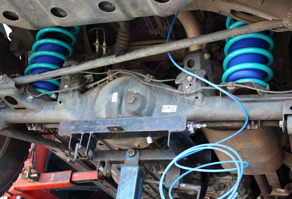 Fitting some airbags to Toyota Prado 120