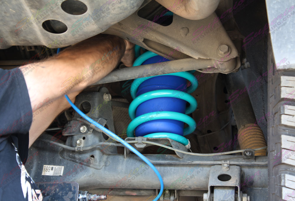 Fitting some airbags to Toyota Prado 120 with coil sprung suspension