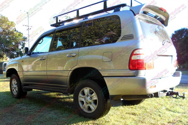 100 Series Toyota Landcruiser fitted with 2 inch airbag kit