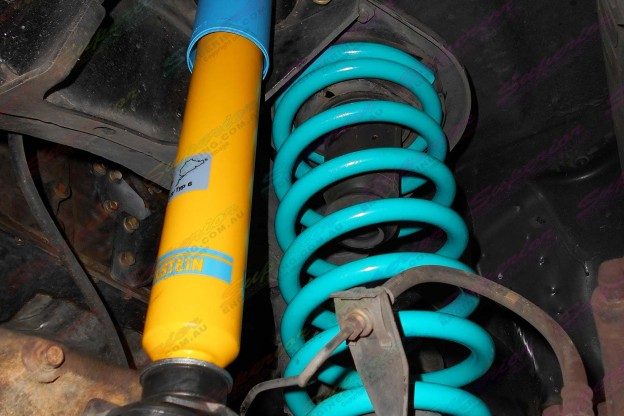 GU Patrol Ute fitted with some Bilstein shock absorbers and Dobinson coils