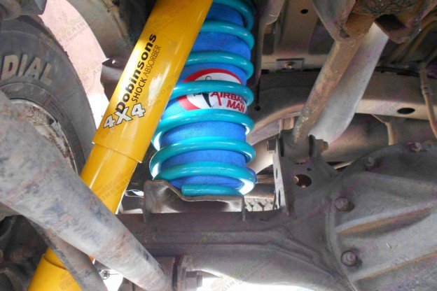 Airbag Man coil helper and Dobinsons lift kit to suit the 105 Series Toyota Landcuiser