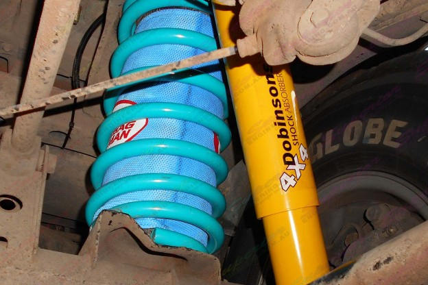 "2"" inch Airbag Man and Dobinsons lift kit to suit the 105 Series Toyota Landcuiser"