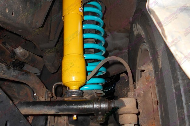 Dobinsons 4x4 coil springs and 2 inch shocks fitted to a 105 Series Landcruiser
