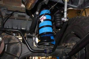 4x4 Airbags and kevlar protective cover fitted in some black Superior coil springs (Right side)